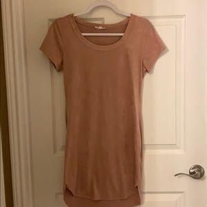 T-shirt dress, suede